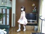 Японочка танцует!!!)))